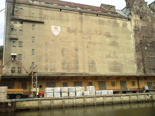 Stary Niemiecki Spichlerz na Kanałem Elbląskim - Old German Warehouse by the Elbląg Canal by xpisto1
