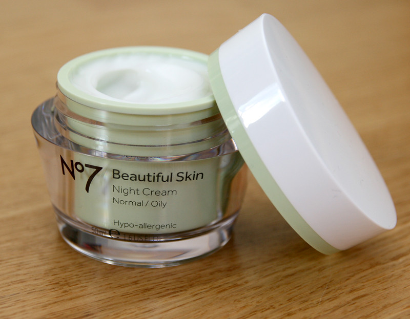 No7 beautiful skin normal:oily night cream