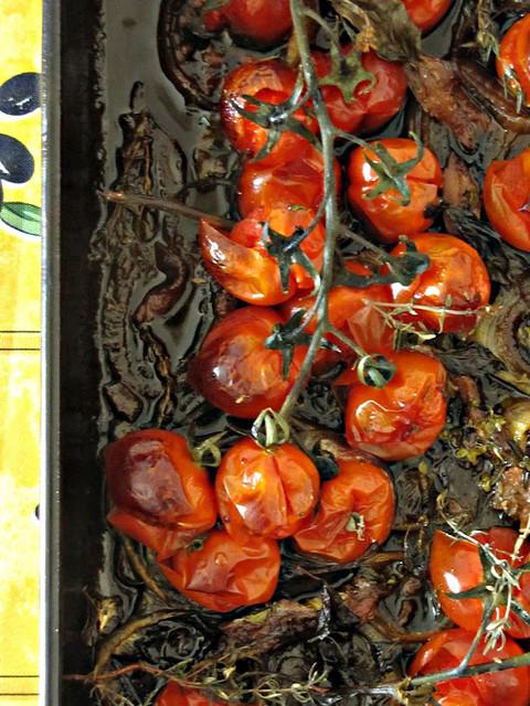 Panzanella di Panettone con Pomodorini e Cipolle Confits