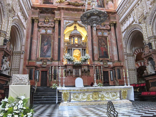コルドバ メスキータのキリスト教の祭壇 by Poran111