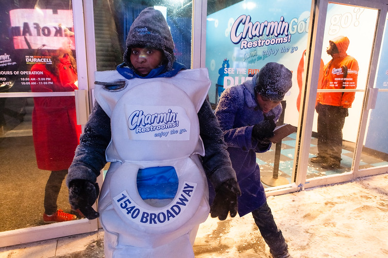Charmin girls, NYC Blizzard 2009, Times Square