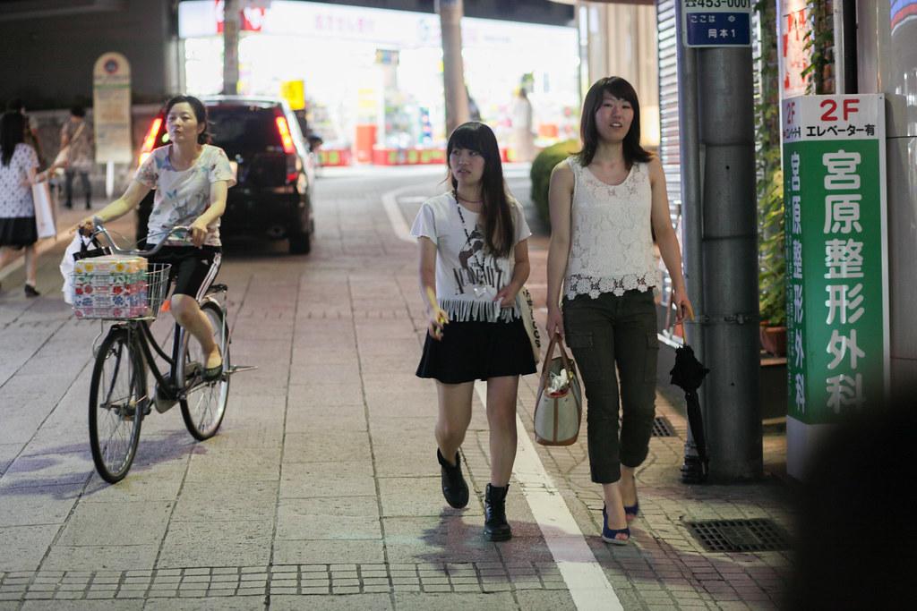 Okamoto 1 Chome, Kobe-shi, Higashinada-ku, Hyogo Prefecture, Japan, 0.013 sec (1/80), f/2.8, 85 mm, EF85mm f/1.8 USM