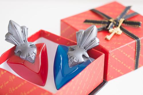 紅色和藍色的, 要選哪一夥呢?