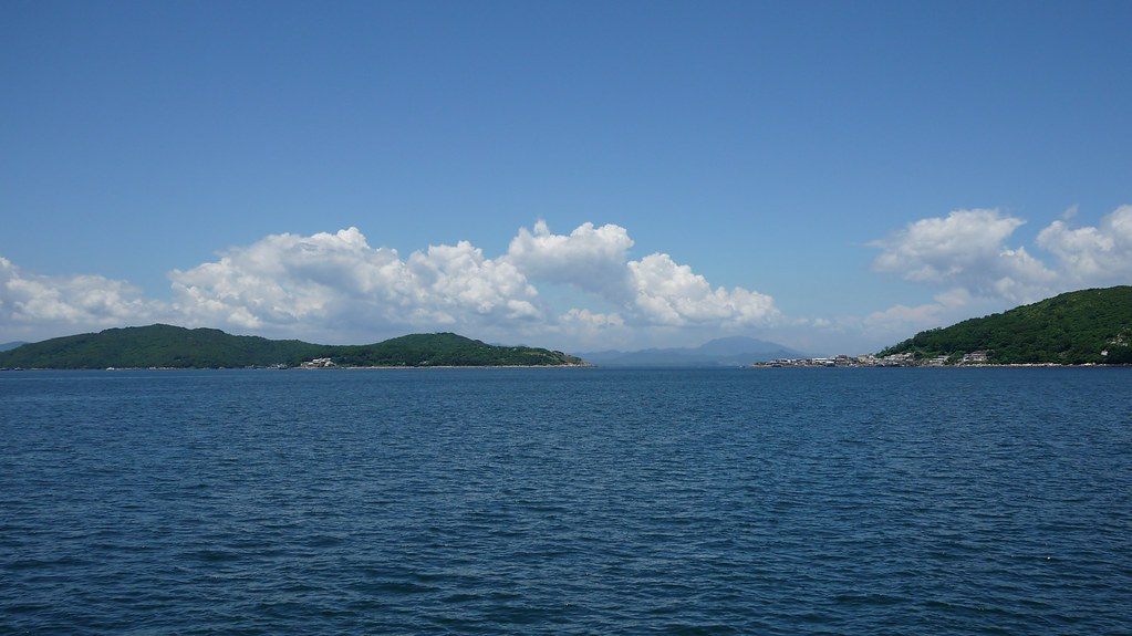 Sailing to Tap Mun Island