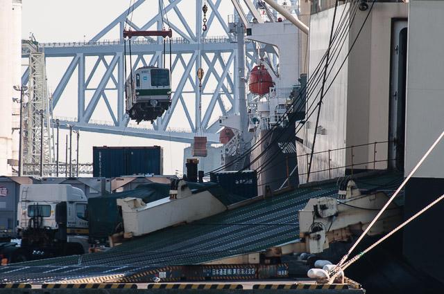 東京メトロ千代田線6000系 6105F 6127F 船積み