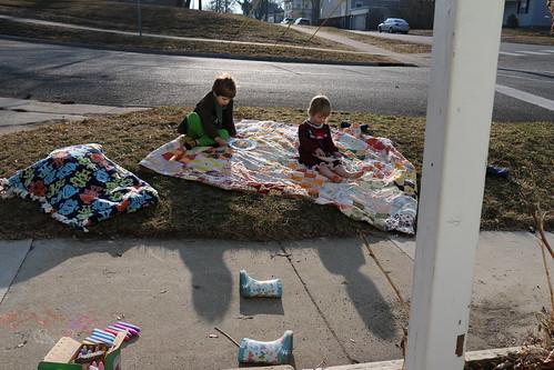 impromptu parkway breakfast picnic
