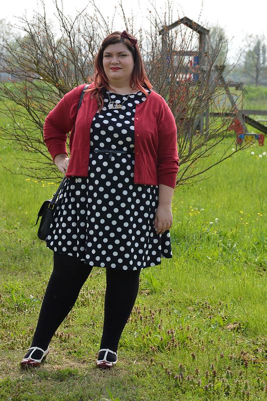 outfit pois, nero e rosso (3)