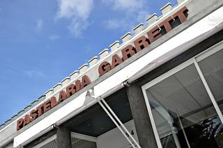 http://hojeconhecemos.blogspot.com.es/2014/04/eat-pastelaria-garrett-estoril-portugal.html