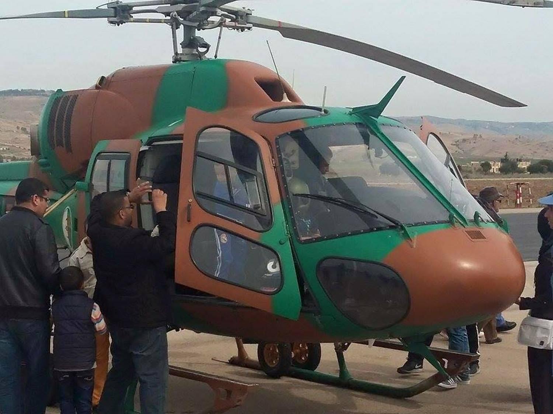 صور مروحيات القوات الجوية الجزائرية Ecureuil/Fennec ] AS-355N2 / AS-555N ] - صفحة 5 26585096790_1d84be5523_o