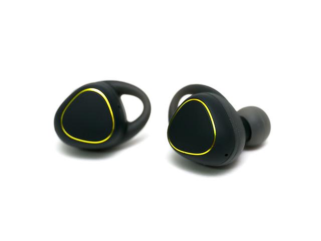 科技的結晶!音樂加上運動的完全無線體驗! Gear IconX 藍牙無線耳機 @3C 達人廖阿輝