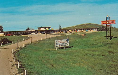 vintage postcard motel northdakota hohum minot