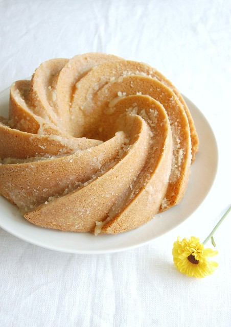 Nutmeg butter cake / Bolo amanteigado de noz-moscada