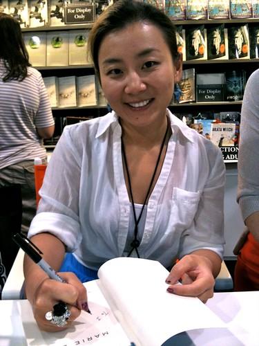 author Marie Lu