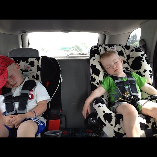 Car seat naps for sleepy boys #FTW! Also going to stop at Peters for burgers and shakes!