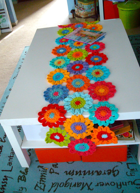 Free Crochet Pattern Flower Table Runner : 7554038602_58fdd7a3c3_z.jpg