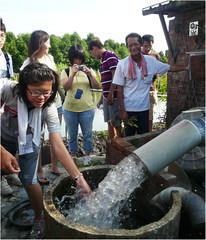 學生親身了解溪州缺水的情形,以及農民解決之道。