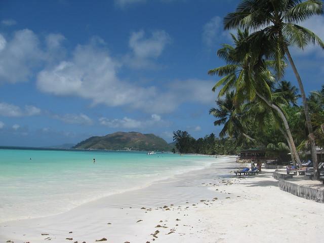 Playa Anse Volbert en las Seychelles