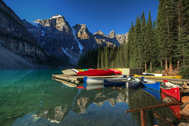 canoes-summertime-photography