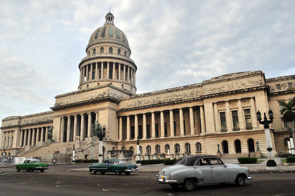 Pocos son los que saben que en el terreno que hoy ocupa el Capitolio habanero, existió una ciénaga. la habana - 7817151948 d15b6d20c4 o - La Habana vieja y un paseo por sus plazas