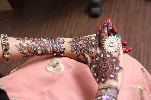 Latest Glitter Bridal Mehndi Designs (40)