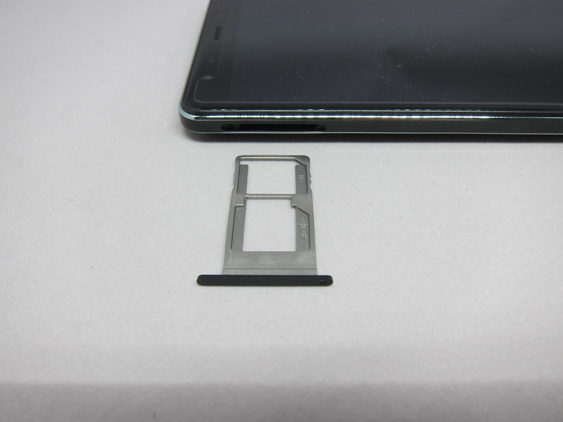 Leagoo Shark 1 - SIM Tray