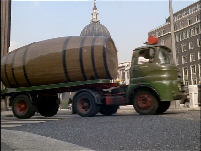 austin ff type lorry with watneys red barrel dray beer keg. Black Bedroom Furniture Sets. Home Design Ideas