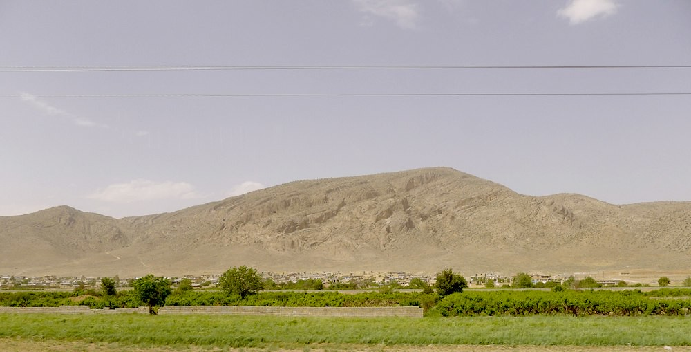 yazd-shiraz-L1030123