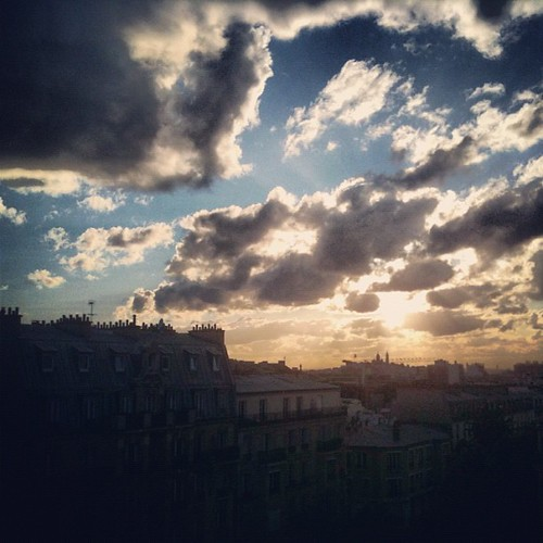Sunset on Paris by la casa a pois