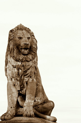 The Lindau lion guards the harbor.
