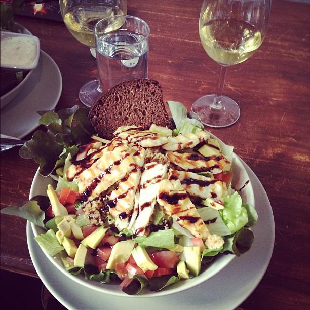 #halloumisalaatti HUHHU PARAS #931 #kehräsaari #tasty #wining & #dining #mieletön #megaiso #yummy #couscous #halloum