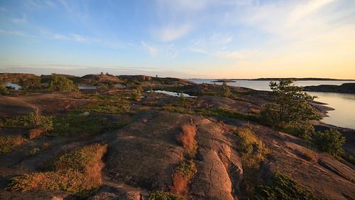 sunset sea summer outcrop rock suomi finland island europe kallio shoreline eu scandinavia meri kesä saari björkö 14mm saaristo saaristomeri arhcipelago