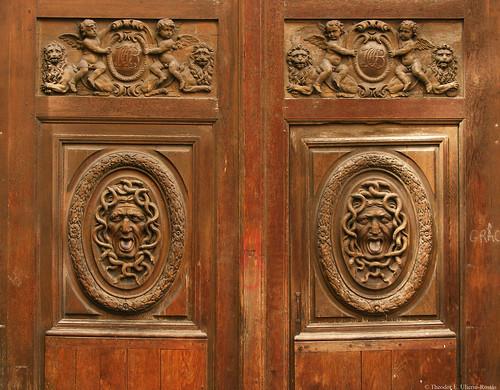 Hôtel Amelot de Bisseuil: la porte, détail