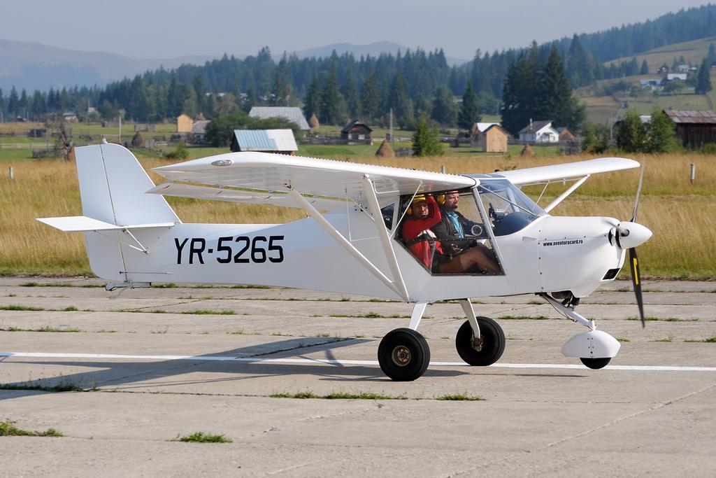 Fly-in @ Floreni - Mitingul cailor putere - Poze 7677974102_297e54a9ed_o