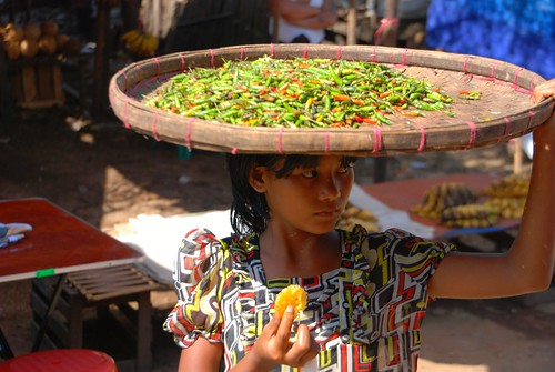 girl selling chilies