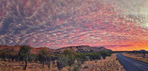 road sunset mountains australia ranges northernterritory alicesprings westmacdonnellranges desertoak elizabethbarnes southskyphotography