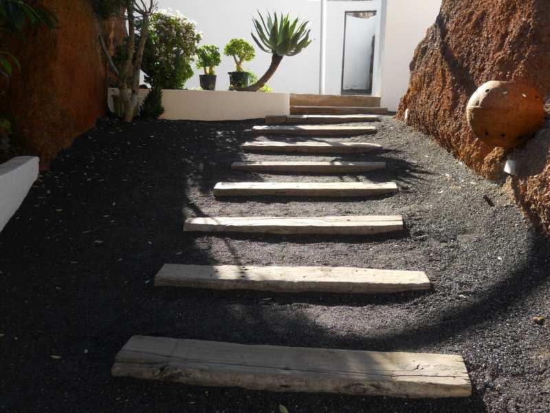 Escalera en jardines Omar Sharif Lanzarote 2