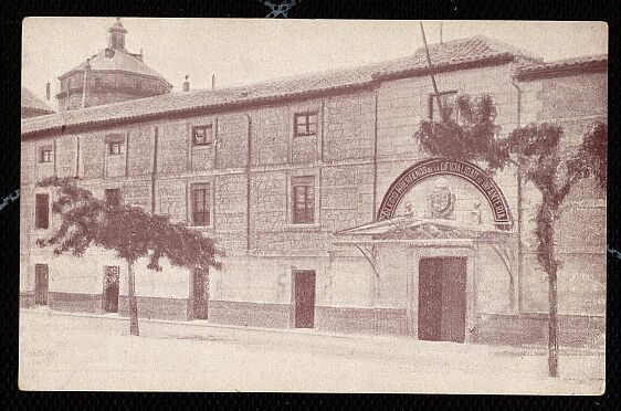 Cuartel San Lázaro (María Cristina) en 1930 junto a Tavera. Archivo Municipal de Toledo.