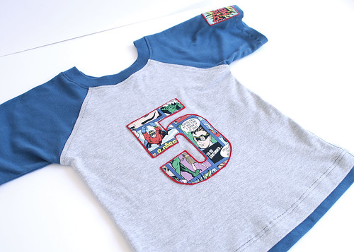 5-t-shirt-blue-trim