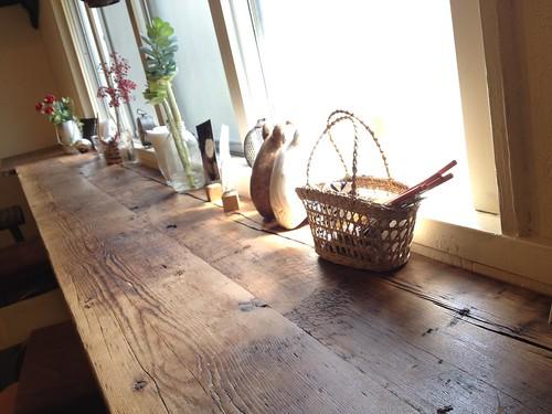 1人と一匹だったのでカウンター席で@cafe Birdbath