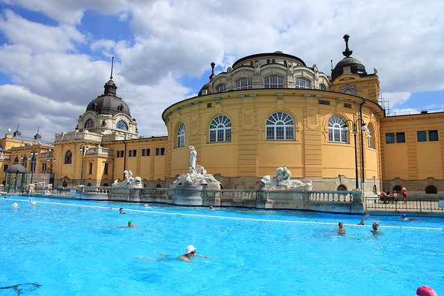 Széchényi Spa by CC user chrissy575 on Flickr