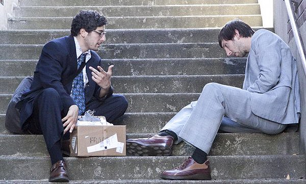 Jason Biggs and Joel David Moore struggle to make GRASSROOTS watchable.