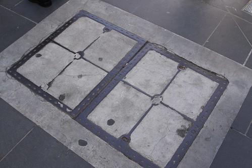 Melbourne and Metropolitan Tramways Board manhole covers