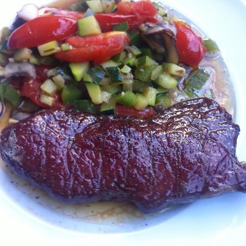 Argentinisches Hüftsteak, Rückwärts Gebraten, Mit Buntem Wok-Gemüse @ Le Gourmand, Private Home Fine Dining