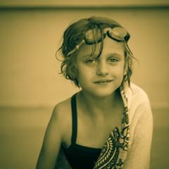 [フリー画像素材] 人物, 子供 - 女の子, セピア ID:201207211600