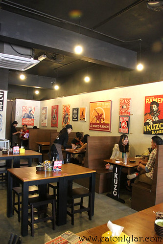 Interior, Ikuzo Ramen