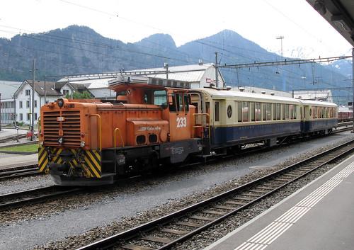 Vilciens 233