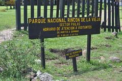 Cartel en la entrada del parque nacional [object object] - 7748313164 70fa5ba828 m - Rincón de la Vieja, la columna vertebral de américa central