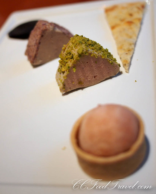 Foie gras terrine with 'shiacciatina' and rhubarb sorbet