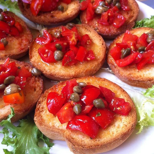 Si pranza in #masseria #montenapoleone #food #foodporn #frise #puglia #valleditria #cibo #bio #specialità #gastronomia #igersbari #igersitalia #iphone #picoftheday