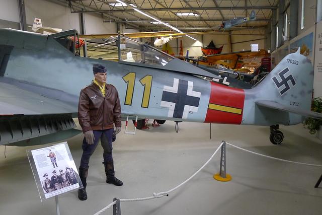 Pilot vor Focke-Wulf Fw 190 A-8